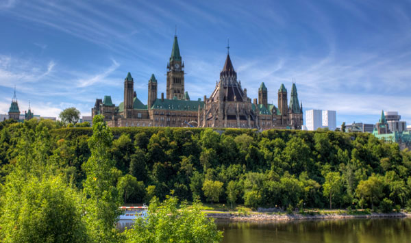 Parlement-Canada-600